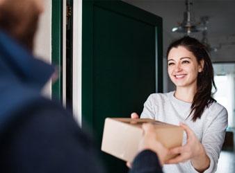 Möglichkeit Nr. 3: Wenn Deine Ex-Freundin bei Dir etwas vergessen hat, z. B. ein Buch oder T-Shirt etc., dann schick ihr es per Postpaket zurück.