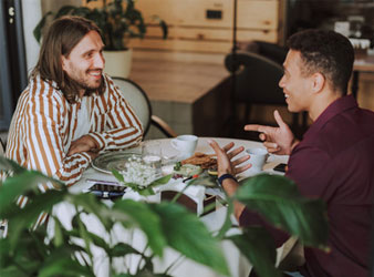 Möglichkeit Nr. 5: Treffen mit gemeinsamen Freund.
